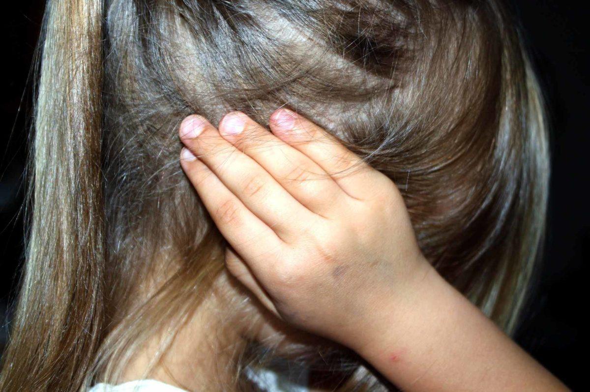 Kopfläuse sind der Alptraum wohl jeder Familie. Manchmal werden die Läuse im denkbar ungünstigsten Moment entdeckt, wie bei diesem Vater.