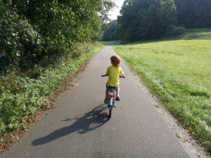 Read more about the article Wie lernen Kinder sicher Fahrrad zu fahren?