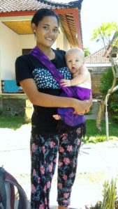 Babytragen in Bali