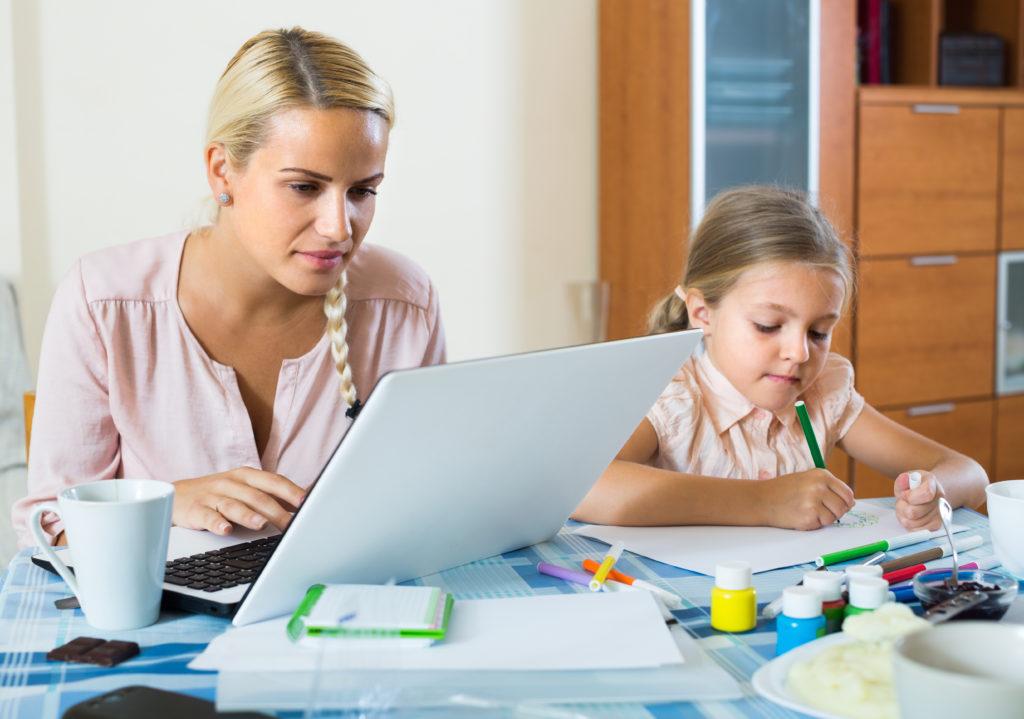 Home-Office für Mütter