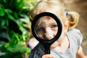 Read more about the article Die wichtigsten Entwicklungsphasen von Geburt an